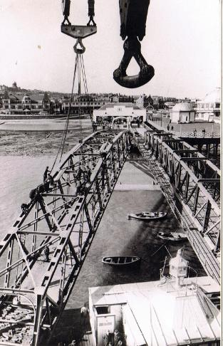 New Bridge being erected in 1963